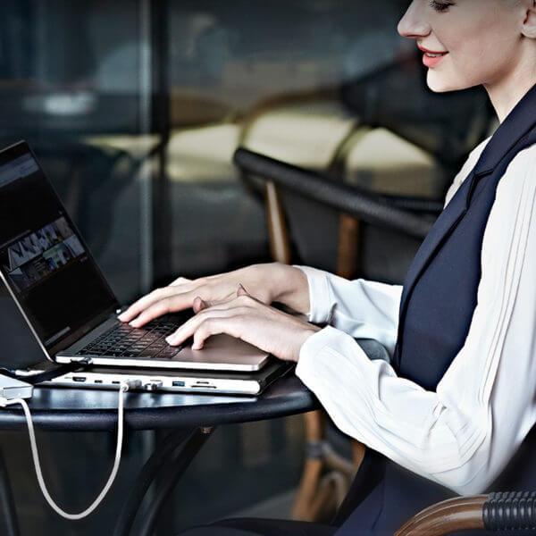 DockCase for Apple MacBook